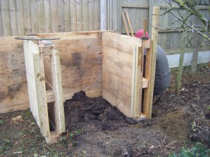 compost heap and path 012